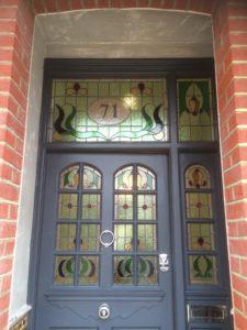 Front Door w leadlights